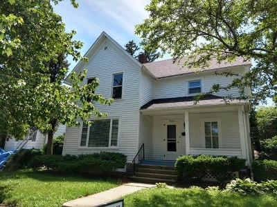 Dekalb Single Family Home For Sale: 422 Pine Street