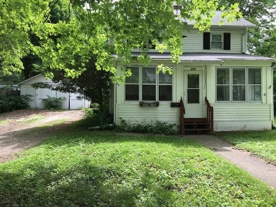 Batavia Single Family Home For Sale: 212 North Van Buren Street