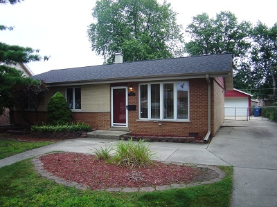 Crestwood  Single Family Home For Sale: 13131 Fairway Drive