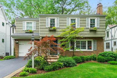 Clarendon Hills Single Family Home For Sale: 222 Holmes Avenue