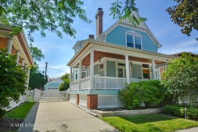 La Grange Single Family Home For Sale: 30 South Stone Avenue