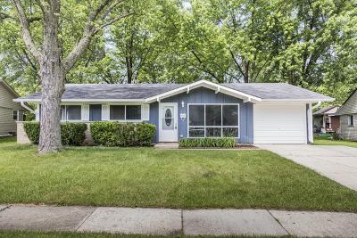 Streamwood Single Family Home New: 715 Oriole Drive