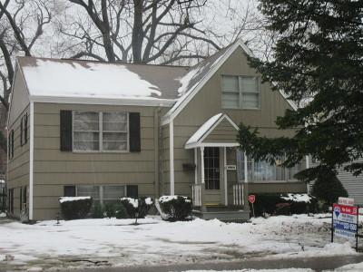 Elmhurst Single Family Home For Sale: 945 South Kirk Avenue