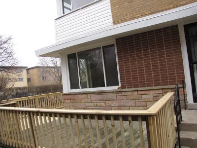 Skokie Condo/Townhouse For Sale: 9018 North Skokie Boulevard #A