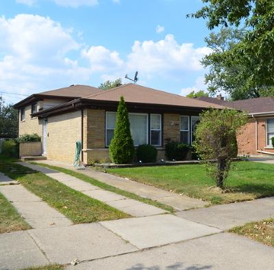 Skokie Single Family Home For Sale: 7414 Lowell Avenue