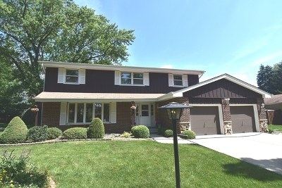 Darien Single Family Home For Sale: 1522 Hawthorne Place