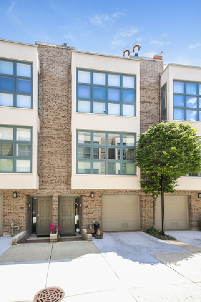 Condo/Townhouse New: 761 West Melrose Street #761