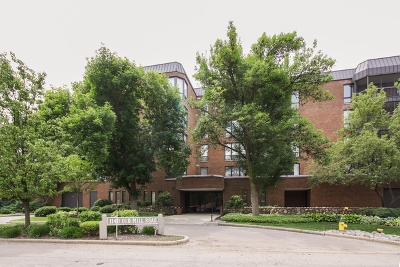 Hinsdale Condo/Townhouse For Sale: 1140 Old Mill Road #203F