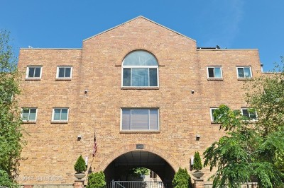 Condo/Townhouse Contingent: 1835 North Halsted Street #4