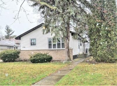 Lansing  Single Family Home For Sale: 17134 Grant Street