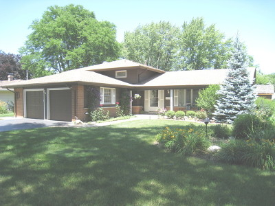 Elk Grove Village IL Single Family Home New: $332,900