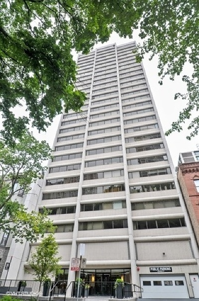 Condo/Townhouse New: 1415 North Dearborn Street #3A