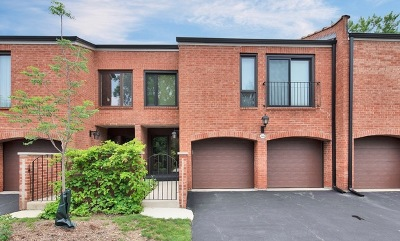 Oak Brook Condo/Townhouse For Sale: 19w249 Gingerbrook Drive