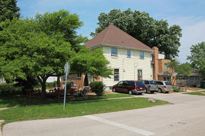 Genoa Multi Family Home New: 105 North Locust Street