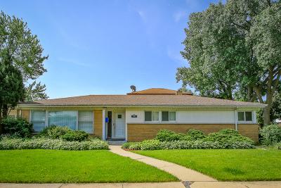 Skokie Single Family Home For Sale: 3555 Lee Street