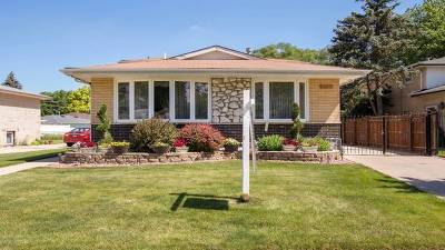 Oak Lawn Single Family Home For Sale: 6440 West 89th Place