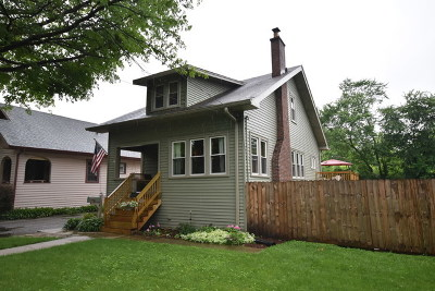 Elmhurst Single Family Home For Sale: 190 East Crescent Avenue