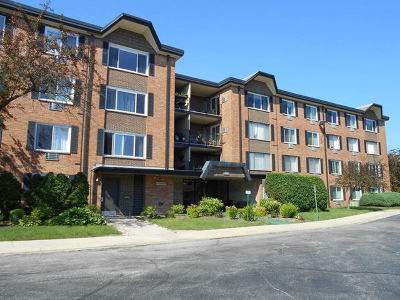 Arlington Heights IL Condo/Townhouse New: $112,900