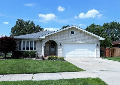 Oak Lawn Single Family Home For Sale: 6556 West 92nd Street