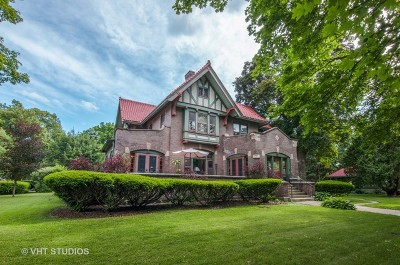 West Dundee Single Family Home For Sale: 305 Oregon Avenue