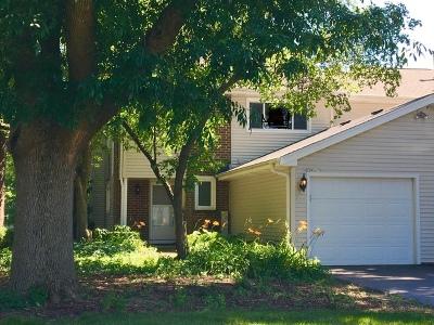 Naperville Condo/Townhouse For Sale: 30w617 Fairway Drive
