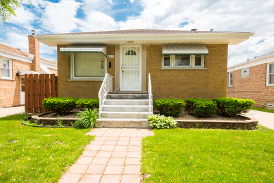 Evergreen Park Single Family Home For Sale: 8813 South Troy Avenue