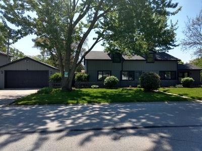 Oak Lawn Single Family Home Re-Activated: 5016 Oak Center Drive