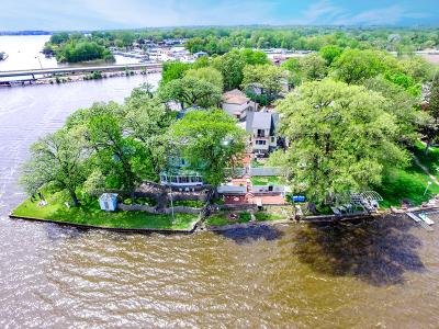 Fox Lake Single Family Home Price Change: 171 Riverside Island Drive