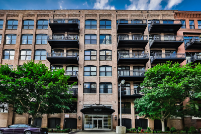 Chicago Condo/Townhouse For Sale: 520 West Huron Street #209