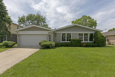 Glenview Single Family Home For Sale: 30 Fernwood Drive