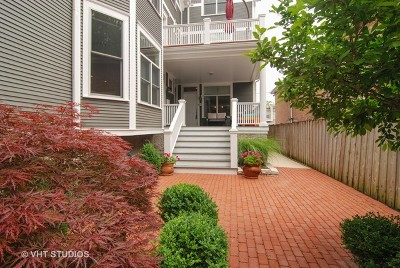 Oak Park Condo/Townhouse For Sale: 116 South Grove Avenue #D