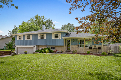 Downers Grove IL Single Family Home Re-Activated: $270,000