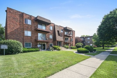 Crestwood Condo/Townhouse Contingent: 5704 128th Street #2A