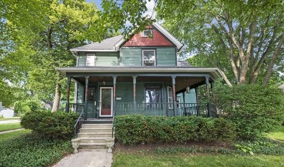 St. Charles Single Family Home For Sale: 604 South 6th Avenue