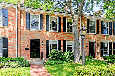 Wilmette Condo/Townhouse For Sale: 817 Westerfield Drive