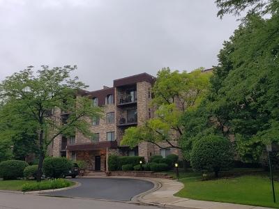 Northbrook Condo/Townhouse For Sale: 2150 Valencia Drive #405A