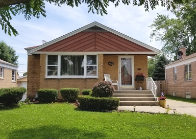 Evergreen Park Single Family Home Contingent: 9017 South Albany Avenue