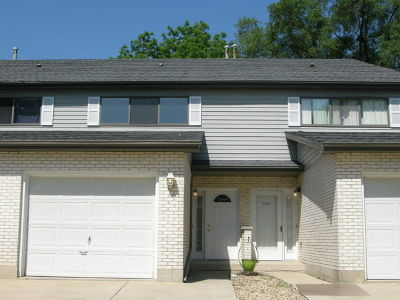 Bloomingdale Condo/Townhouse For Sale: 324 Brookdale Drive #B