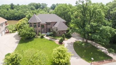 Homer Glen Single Family Home For Sale: 14845 South Woodcrest Avenue