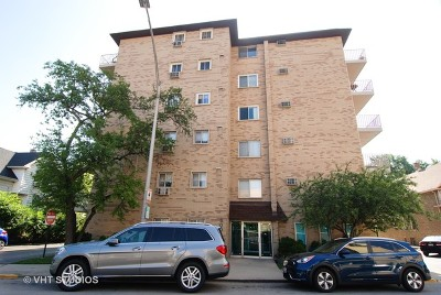 Forest Park Condo/Townhouse For Sale: 300 Circle Avenue #4I