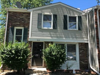 Hanover Park Condo/Townhouse For Sale: 7414 Nantucket Cv