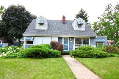 Elmhurst Single Family Home Price Change: 452 West Saint Charles Road