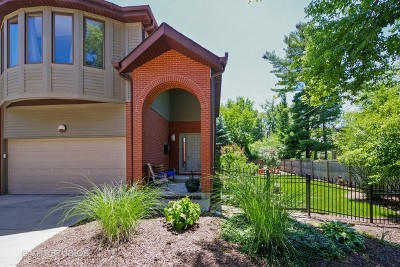 Wilmette Condo/Townhouse For Sale: 3305 Old Glenview Road #D
