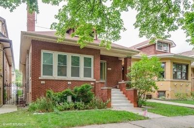 Single Family Home For Sale: 5627 North Sacramento Avenue