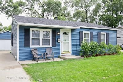 Streamwood Single Family Home For Sale: 107 Hickory Avenue
