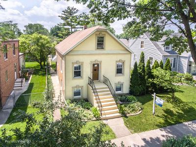 Brookfield Single Family Home For Sale: 9421 Jackson Avenue