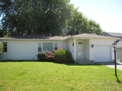 Lake In The Hills IL Rental For Rent: $1,450