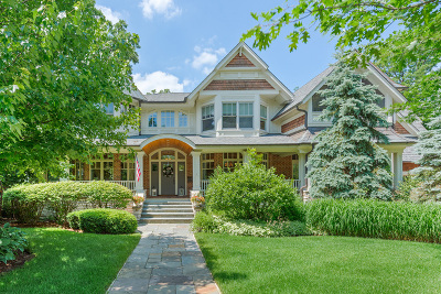 Glen Ellyn Single Family Home For Sale: 682 Hillside Avenue