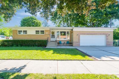 Villa Park Single Family Home For Sale: 105 East Vermont Street