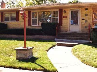 Oak Lawn  Single Family Home For Sale: 5229 Oak Center Drive